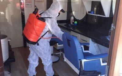 Bolu'da  yeni tip koronavirüs (Kovid-19) tedbirlerinin uygulanmasına devam ediliyor. Mudurnu ilçesinde hizmet vermeye başlayan berber ve kuaförler ile güzellik salonlarının dezenfekte işlemleri belediye ekiplerince gerçekleştiriliyor.    ( İlhami Çetin - Anadolu Ajansı )